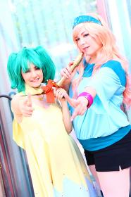 Photoshoot of Macross Frontier by Lionboogy