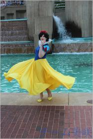 Photoshoot of Snow White and the Seven Dwarfs by Bart