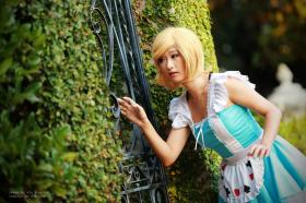 Alice in Wonderland photographed by WJS Cosplay